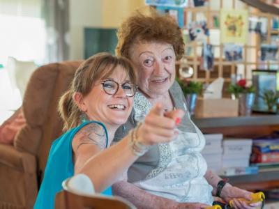 aidants, personne âgée, aide à domicile, service, aide, soutien, admr